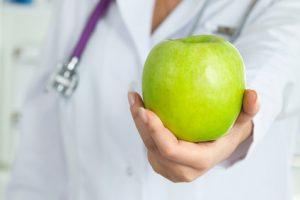 Patienten sollten die Chancen von Zahnimplantaten kennen.